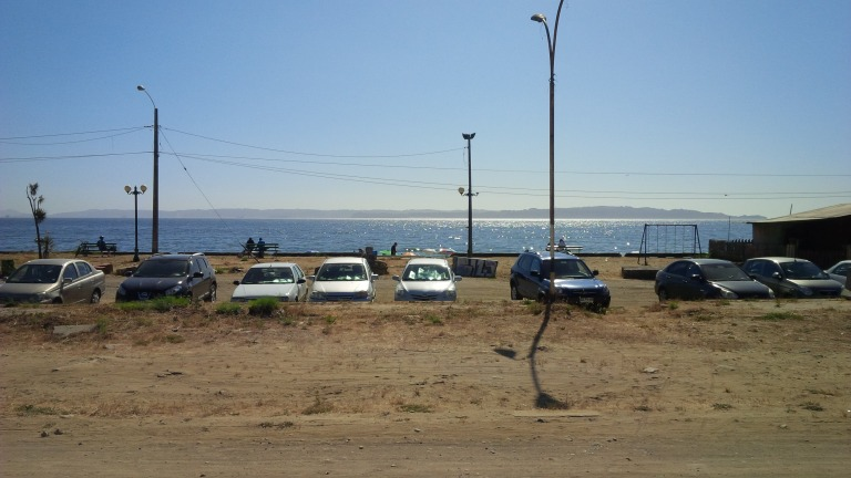 playa con coches